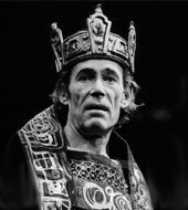 macbeth king duncan essay Shakespeare wrote macbeth in the 16th century as tribute to king james the first at the start of the text king duncan made me believe that anyone could be a good.